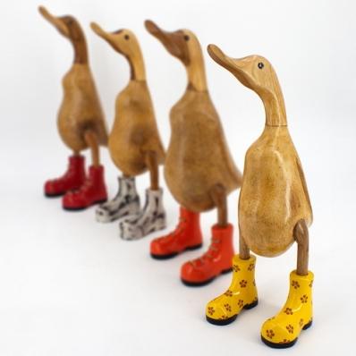 Canard en bois de suar avec chapeau