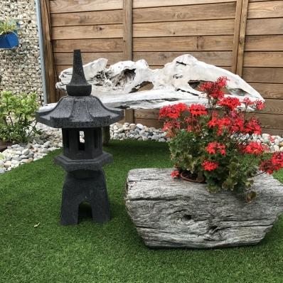 Lanterne japonaise en pierre de lave 80 cm Nikkõ