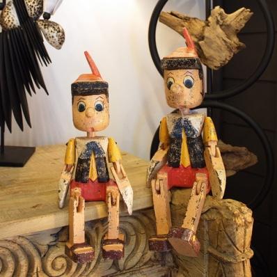 Pinocchio articulé en bois d'albizia finition couleur antique