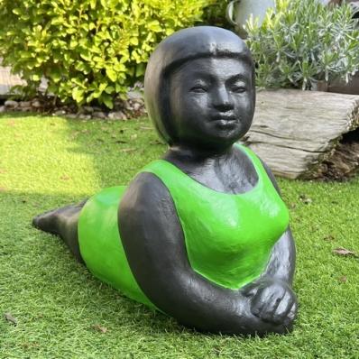 Statue baigneuse en position de yoga Panca vert