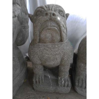 Statue bulldog assis en pierre de lave 60 cm