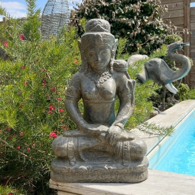 Statue déesse Tara en lotus marron antique 50 cm