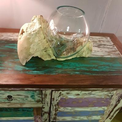Vase-en-verre-souffle-sur-racine-de-teck-containers-du-monde-33380