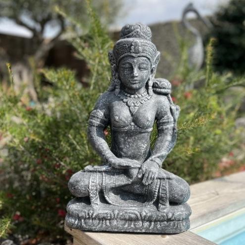 statue d esse tara en lotus gris 50 cm. Black Bedroom Furniture Sets. Home Design Ideas