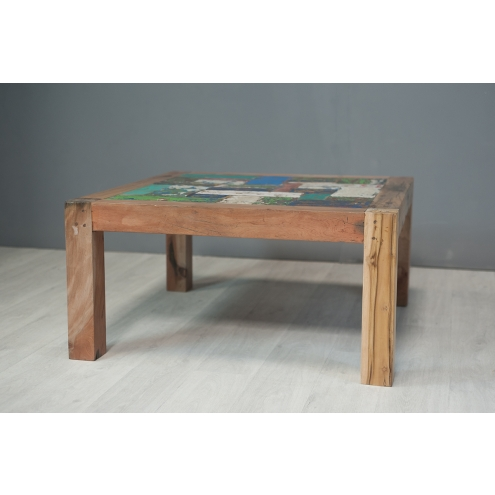 table basse carr e en bois de pirogue 90 cm. Black Bedroom Furniture Sets. Home Design Ideas