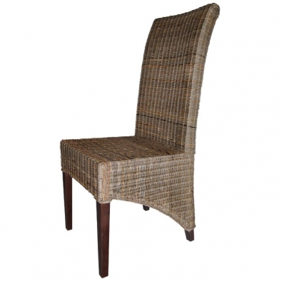 Chaise en rotin et pieds en mahogany