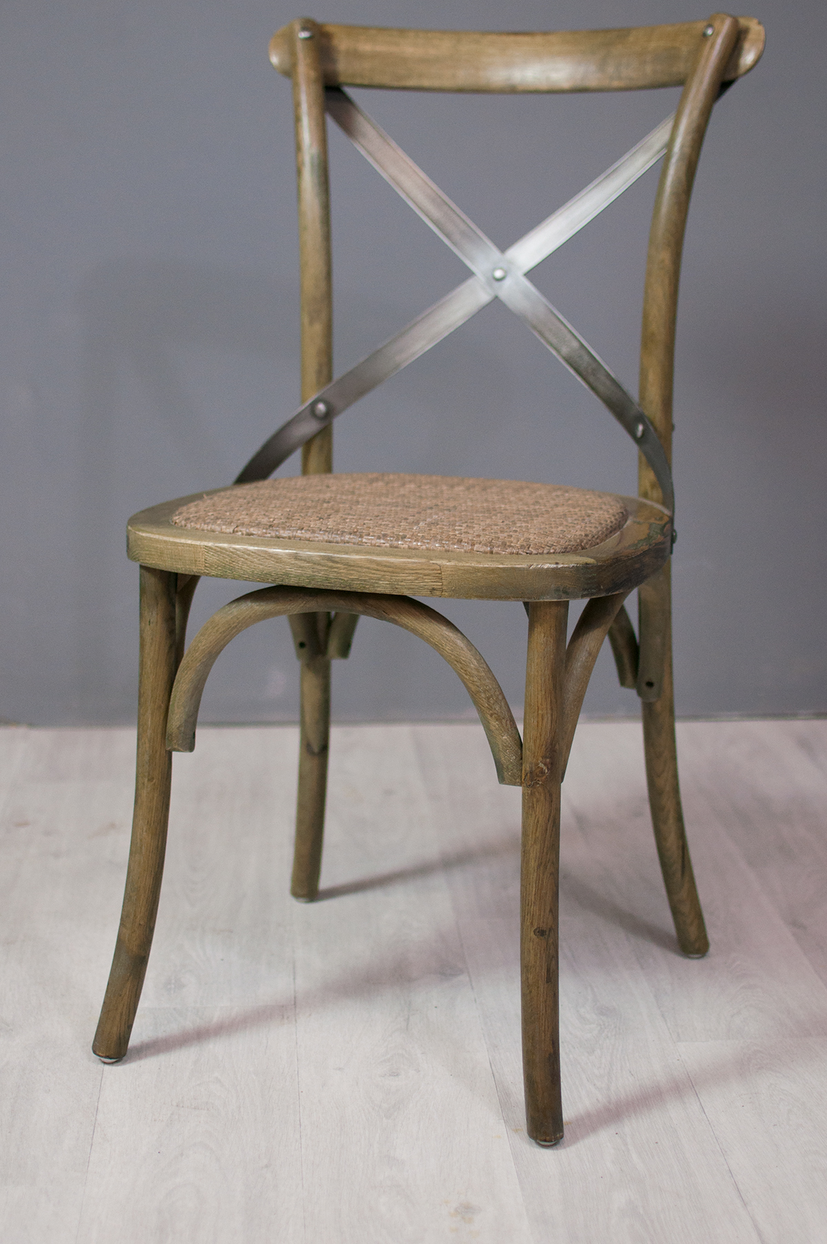 Assise et fauteuil chaise bistrot en ch ne et m tal for Chaise bistrot but
