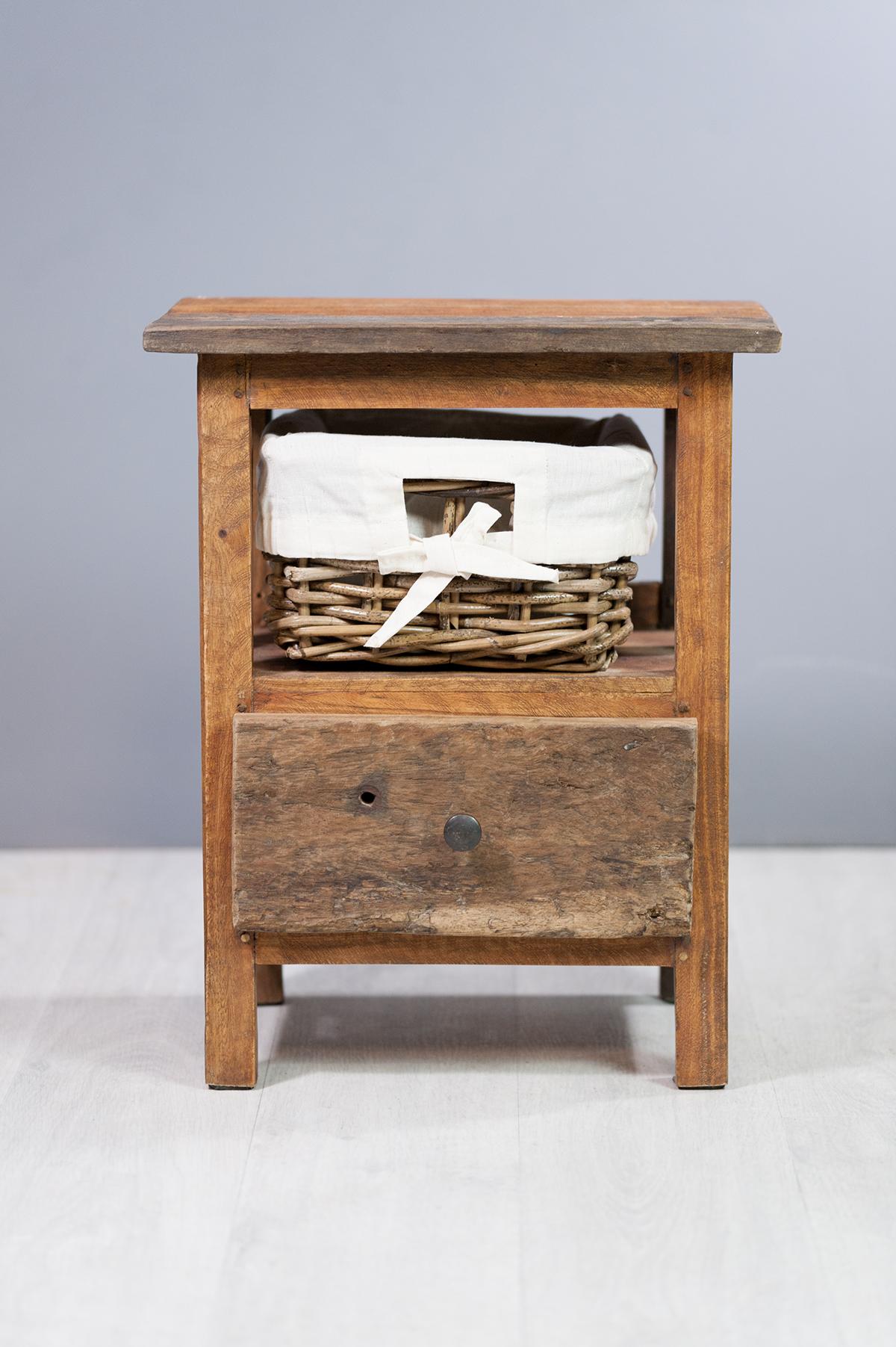 Chevet en bois exotique 1 tiroir containers du monde - Table de chevet exotique ...