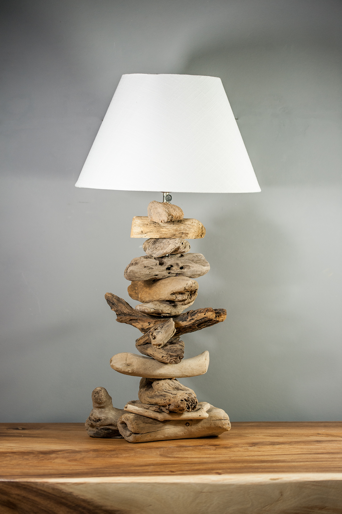 Luminaire bois flott fashion designs for Lampe en bois flotte creation