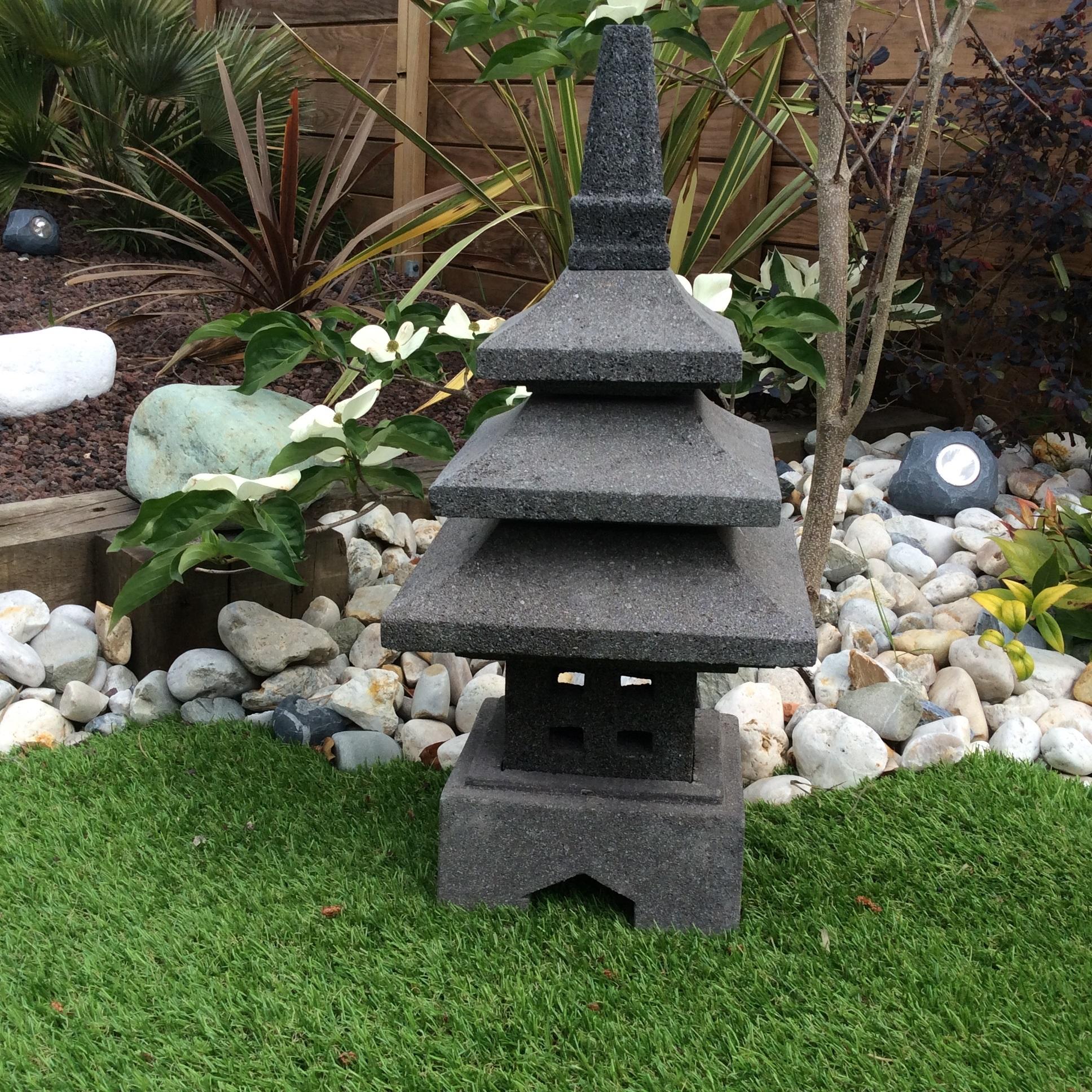 Lampe jardin lanterne japonaise en pierre de lave 55 cm - Lanterne de jardinidees deco de jardin avec des lanternes ...