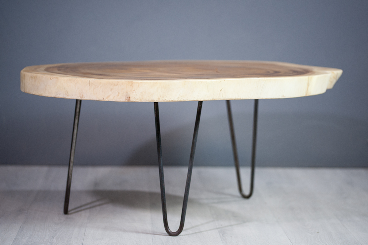 Meuble salon table basse en bois de suar pi tement m tal for Table exterieur en bois massif