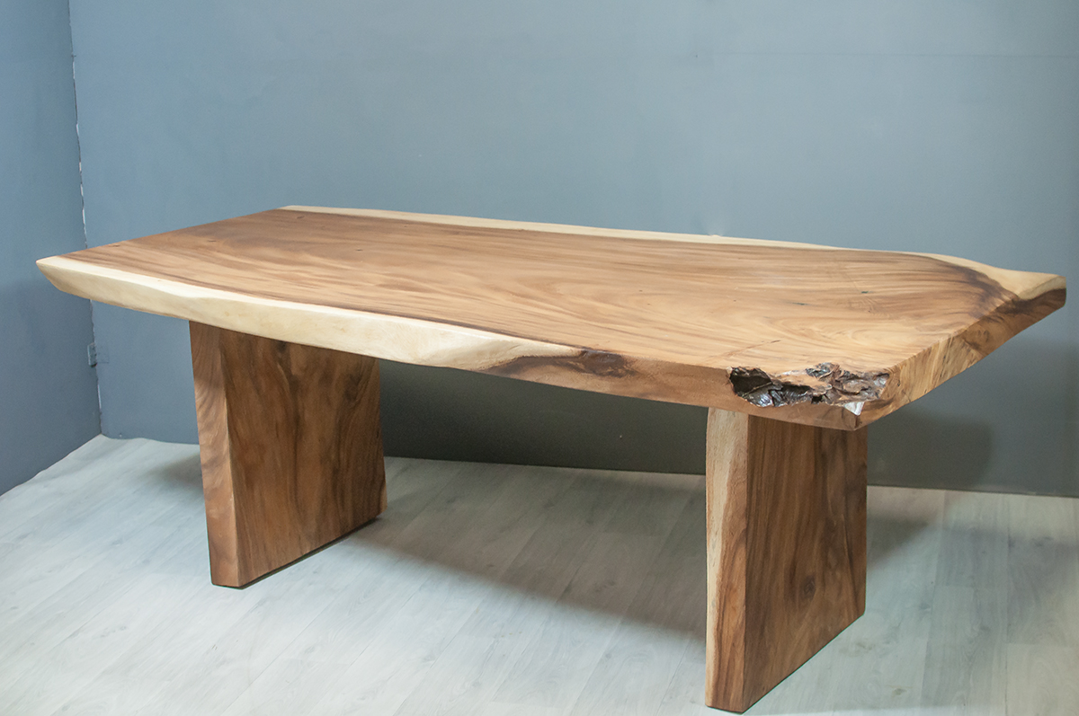 Gallery of table repas cm en bois de suar massif with table haute maison du monde for Grande table du monde