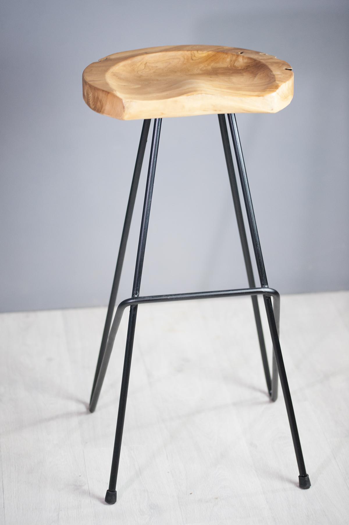 Tabouret design tabouret de bar en racine de teck et m tal for Tabouret a bar